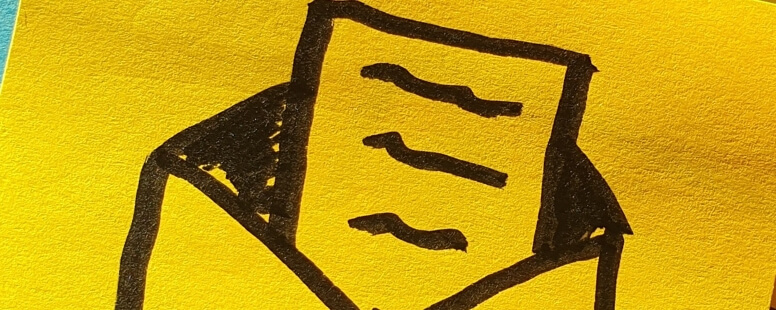 Post-It mit Brief-Symbol