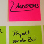 Working Agreements auf Post-Its angeschnitten